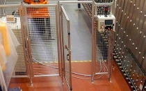 Instalación de vallado, puertas de acceso y aparellaje eléctrico